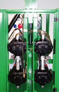 Szívó és adagoló pumpa mind a két komponenshez.