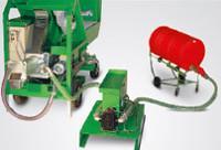 Hordozható adagolópumpa két komponensű PU burkolatokhoz.